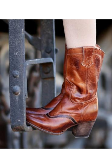 Cowgirl Leather Boots in Black Cognac