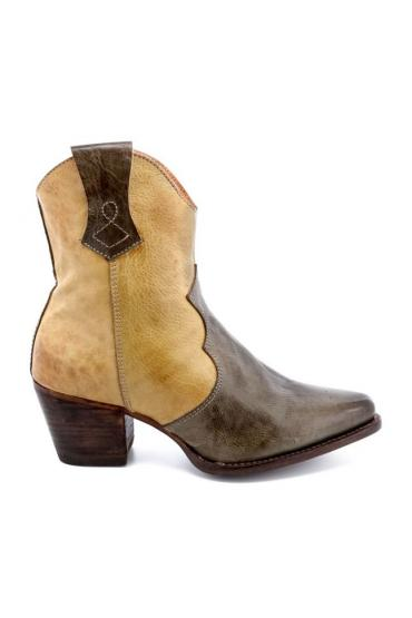 Cowgirl Leather Ankle Boots in Cashew Rustic