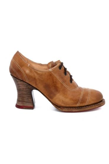 Victorian Style Shoes in Tan Rustic