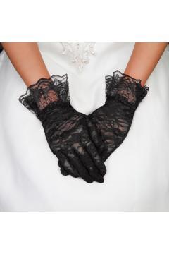 Vintage Style Lace Wrist Gloves in Black