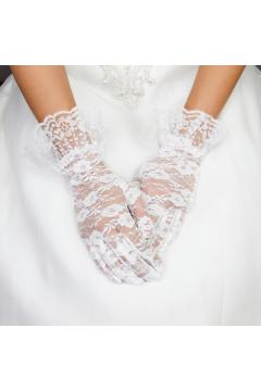 Vintage Style Lace Wrist Gloves in White